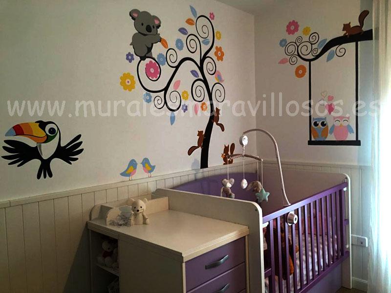 habitaciones infantiles con murales de arboles