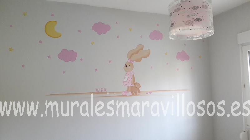 habitacion de niña con conejita y estrellas