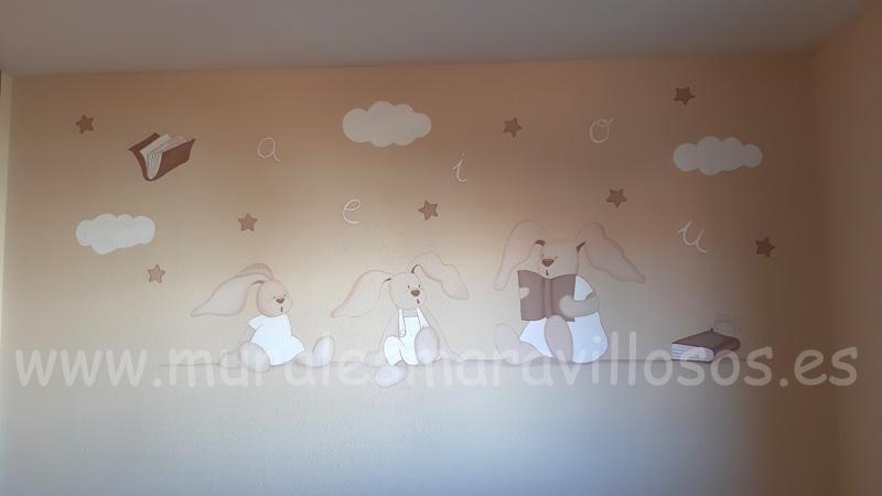 mural tres conejitos leyendo