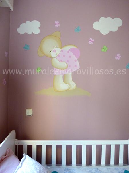 mural osito con mariposas