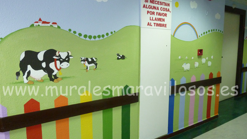 murales pintados en hospitales pasillos