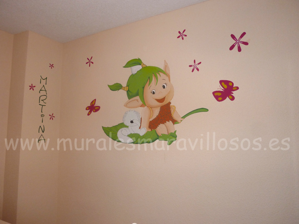 Murales pintados de duendes en cuartos infantiles