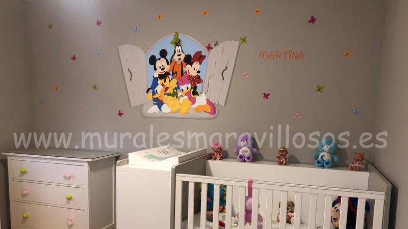 habitacion pintada mariposas disney