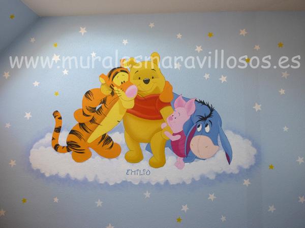 murales de  winnie the pooh y sus amigos pintados en habitaciones infantiles