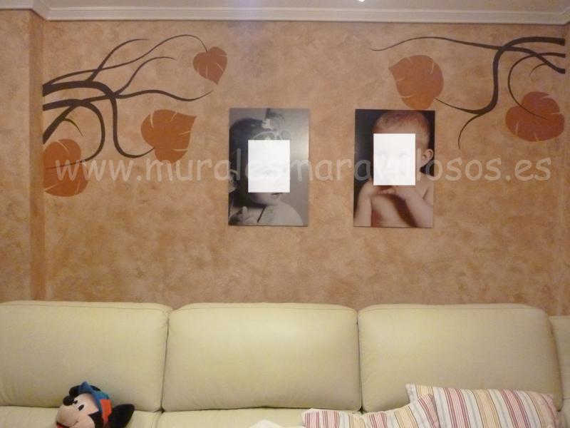 paredes de salones con pintura de ramas y hojas