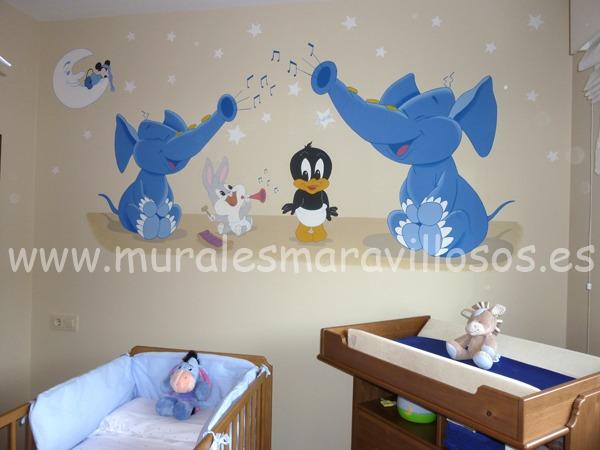Mural de los Looney Tunes con elefantes