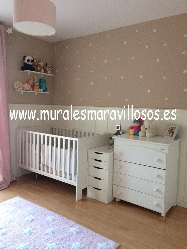 habitacion infantil de bebe con estrellas