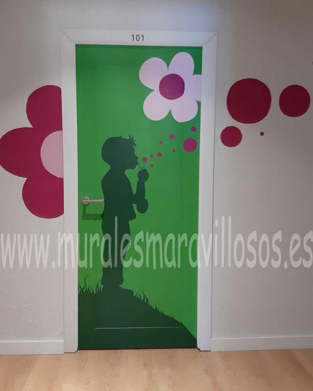 puertas infantiles pintadas hospitales
