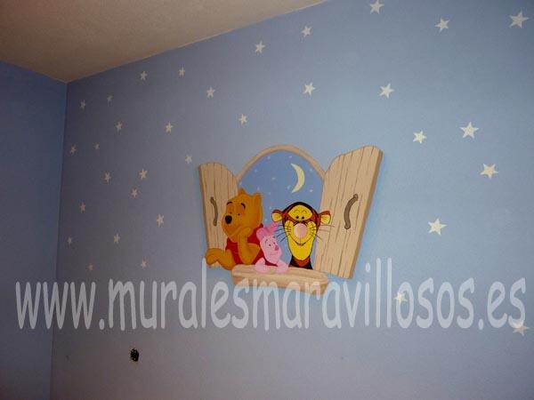 habitaciones de bebes con winnie asomado a la ventana