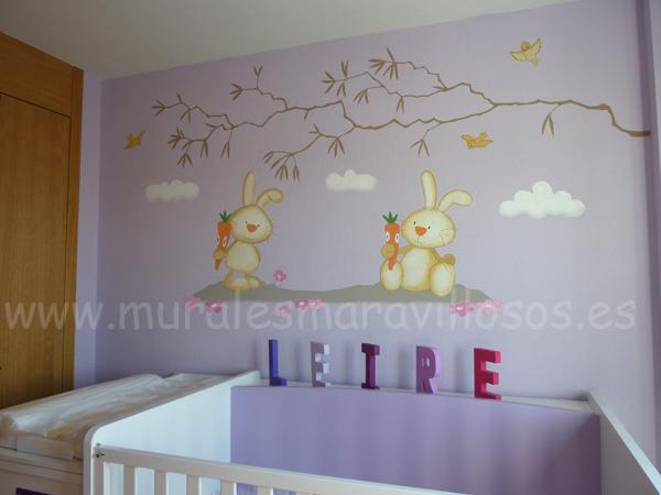 pintura conejitos pared malva
