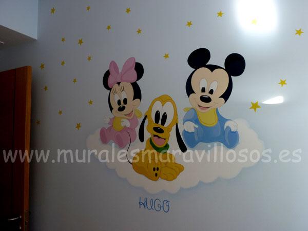 minnie con pluto y mickey babies murales
