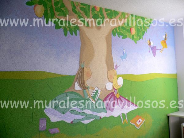 Mural infantil Valeria Varita pintado a mano en dormitorio