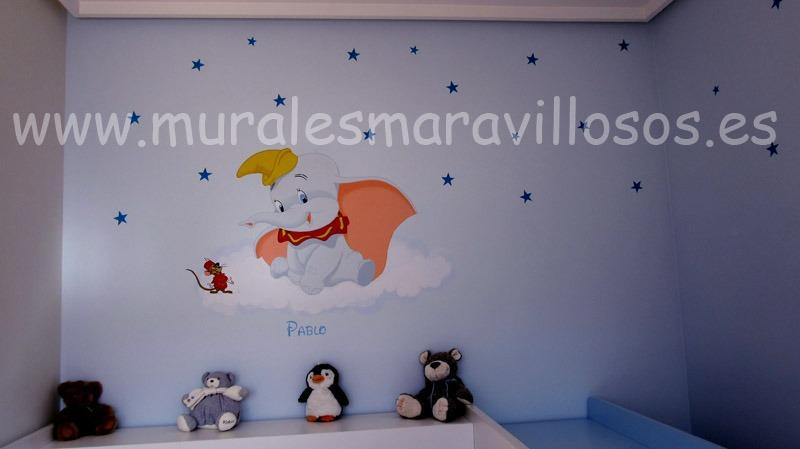 murales infantiles dumbo