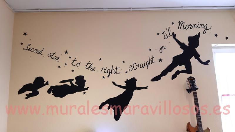 mural peterpan pintado en colegio