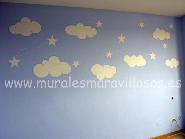 habitacion azul con nubes y estrellas