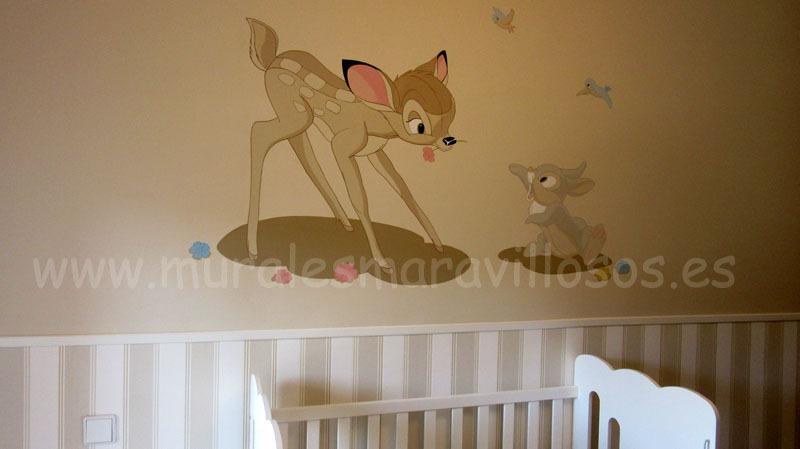 bambi y tambor pintados en habitacion de bebe