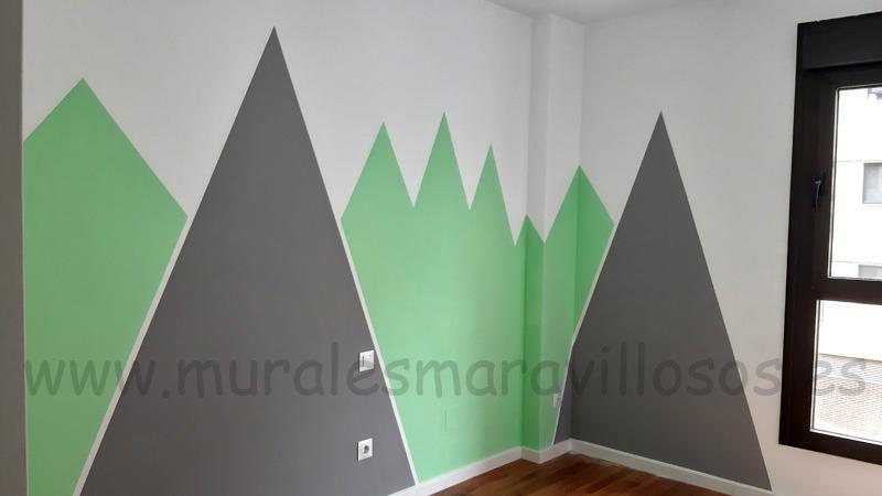 pintar montañas verdes en pared