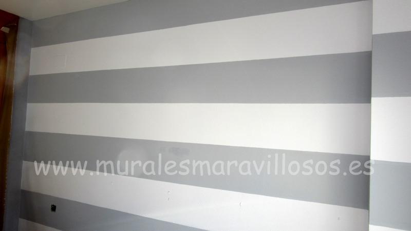 dormitorio pared rayas grises