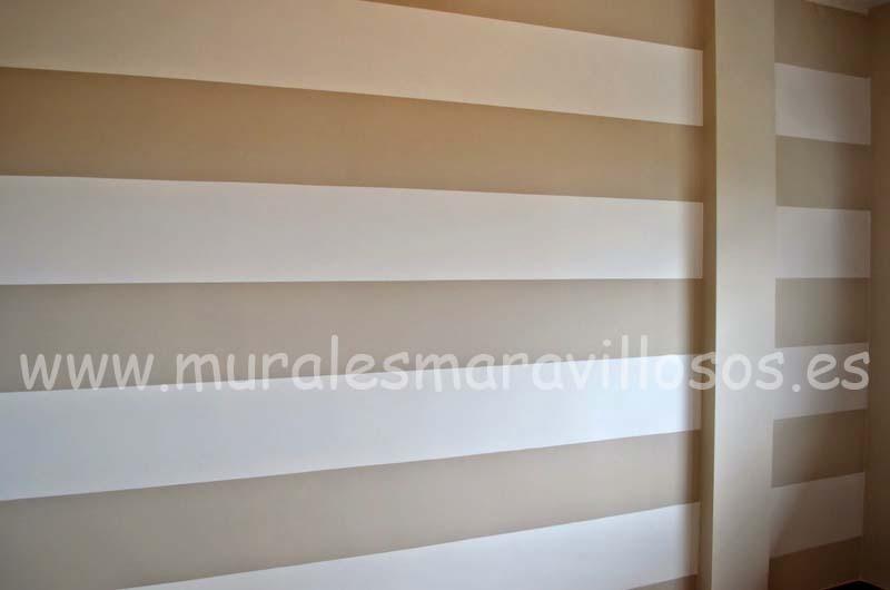 pintura original de paredes rayas beiges blancas
