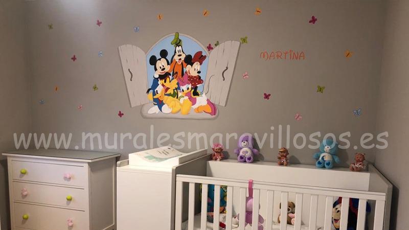 murales infantiles mickey ventana