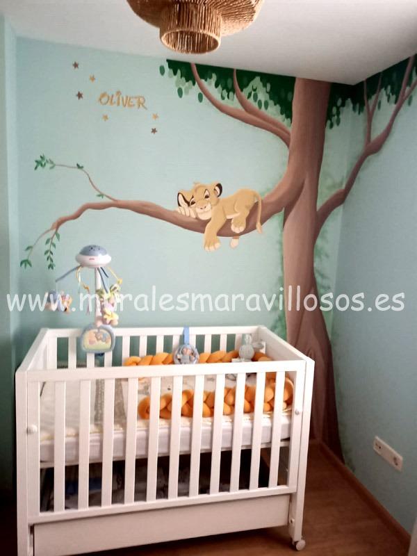 murales simba en arbol