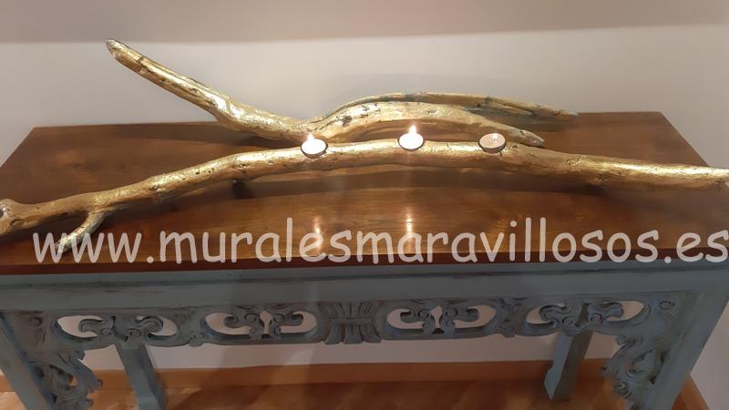 ramas con velas y pan de oro